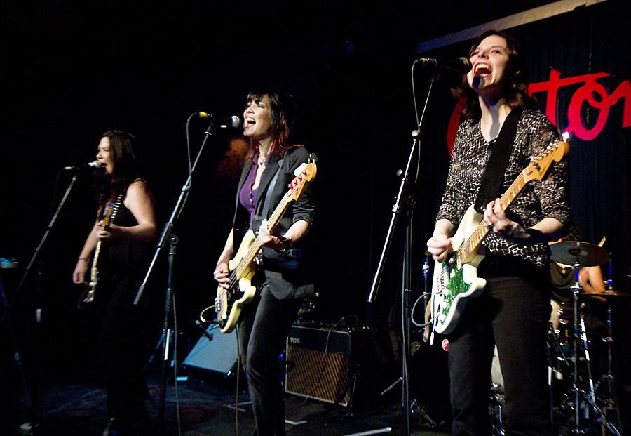 Texas Guitar Women At Antones Artist Pictures Blog