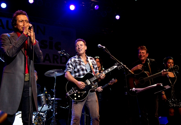 Bruce Springsteen with Alejandro Escovedo and Joe Ely. Copyright, All Rights Reserved: Per Ole Hagen
