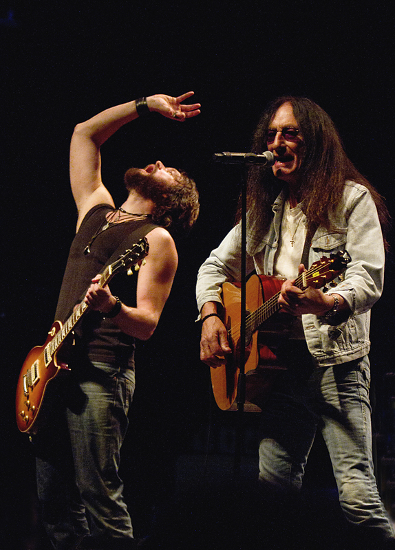 Ken Ingwersen and Ken Hensley at Rockefeller. © Per Ole Hagen