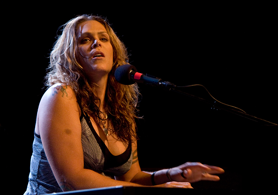 Beth Hart Live Pictures And New Cd Artist Pictures Blog