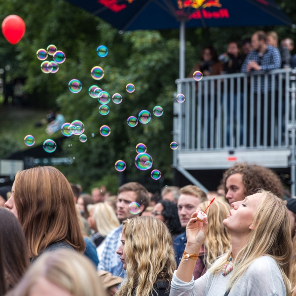 Soap bubbles © Per Ole Hagen