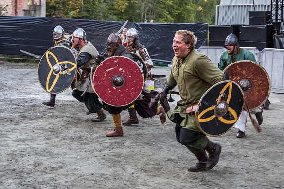 Viking battle © Per Ole Hagen