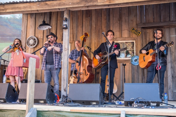 JD And The Straight Shot 31072015-02