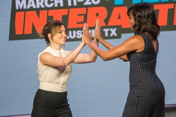 Michelle Obama Sophia Bush © Per Ole Hagen